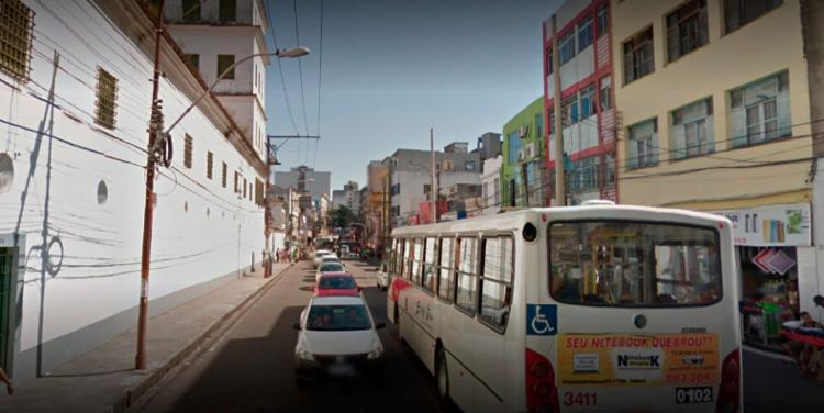 Acidente deixa trânsito lento na região do Convento da Lapa - Foto: Reprodução   Google Street View