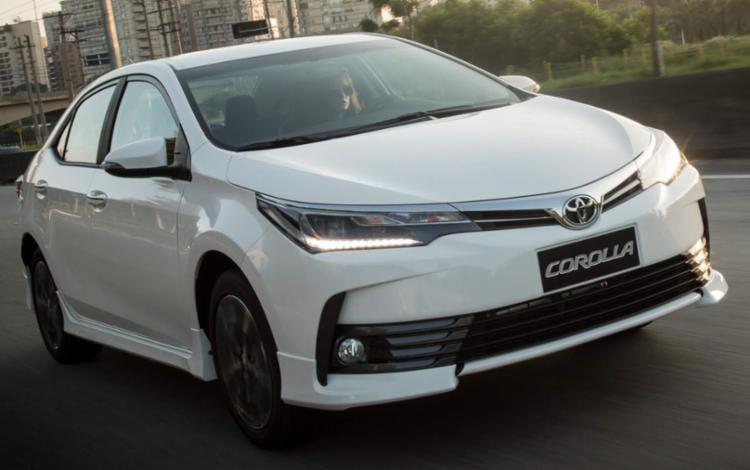 Corolla XRS 2018 oferece um visual rejuvenescido na linha do sedã mais vendido do país - Foto: Divulgação