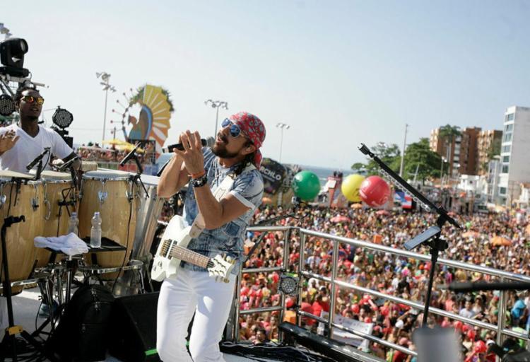 Bloco é comandado pelo cantor Bell Marques - Foto: Joá Souza   Ag. A TARDE