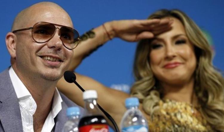 Pitbull foi o convidado da cantora Claudia Leitte para a abertura oficial do Carnaval - Foto: Adrian Dennis | AFP