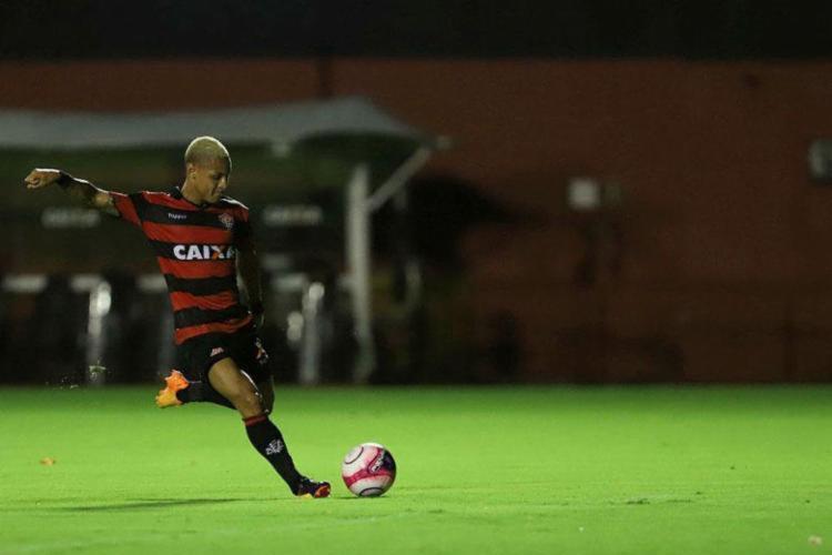 Neilton é esperança de gol para o Vitória - Foto: Adilton Venegeroles | Ag. A TARDE