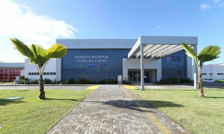 Policial foi encaminhado para o Hospital Costa do Cacau, onde foi medicado e liberado - Foto: Divulgação