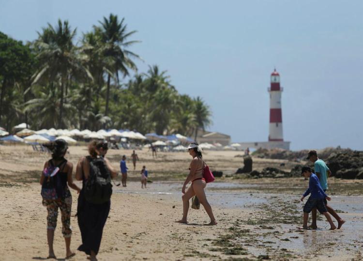 Itapuã está na lista de praias impróprias para o banho - Foto: Raul Spinassé | Ag. A TARDE | 19.01.2018