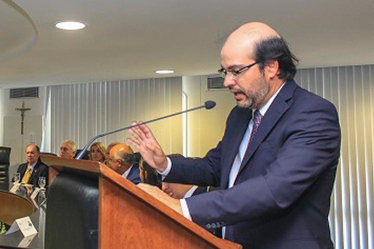 Presidente do TCE, Gildásio Penedo diz que a medida visa gerar economia ao erário - Foto: Gustavo l TCE- BA l 04.01.2017
