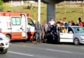 Uma pessoa fica ferida após ser atropelada na Av. Paralela | Foto: Gabriel Andrade | Ag. A TARDE