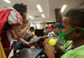 Carnaval chega para crianças do Gacc com bailinho na sede da entidade | Foto: Alessandra Lori l Ag. A TARDE