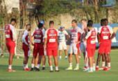 Guto testa time reserva em treinamento | Foto: