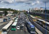Manifestantes liberam trânsito na ACM após 2 horas de protesto | Foto: Divulgação | CUT-BA