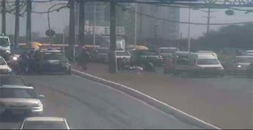 O acidente na via sentido rodoviária - Foto: Reprodução | Twitter