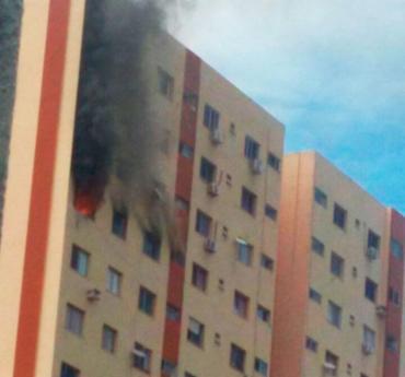 Incêndio atinge apartamento no 14º andar do edifício Mirantes de Brotas - Foto: Cidadão Repórter   WhatsApp
