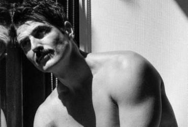 Aos 45 anos, ator Reynaldo Gianecchini posa completamente nu | Blog Michel Telles
