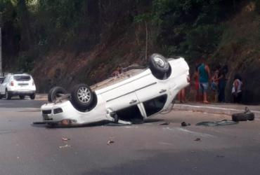 Colisão entre três veículos deixa uma pessoa ferida na av. Luis Eduardo | Cidadão Repórter | Via WhatsApp