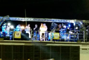 Solange agita foliões com música feita em parceria com Falcão   Thais Seixas   Ag. A TARDE