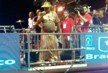 De 'grávida', Márcio Victor homenageia Ivete Sangalo na Barra | Thais Seixas l Ag. A TARDE