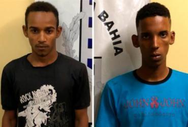 Dupla suspeita de homicídio presa na cidade de Dias D'Ávila   Divulgação   Polícia Civil
