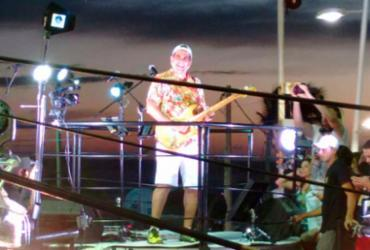 Durval apresenta músicas novas durante desfile na Barra | Thais Seixas | Ag. A TARDE