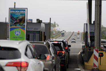 Pedágio da Estrada do Coco não cobra tarifa de feriado nesta terça -feira | Raul Spinassé | Ag. A TARDE | 23/06/2017