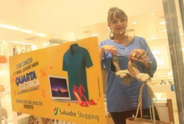 Após Carnaval, lojistas apostam em promoções para atrair clientes | Mila Cordeiro l Ag. A TARDE