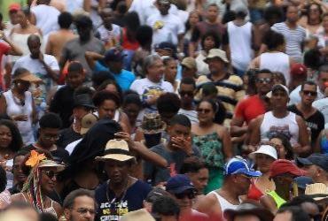 Foliões da Mudança do Garcia curtem festejo debaixo de chuva | Raul Spinassé | Ag. A TARDE