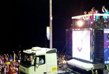 Preta Gil celebra 20 anos do Expresso 2222 em cima do trio   Thaís Seixas   Ag. A TARDE