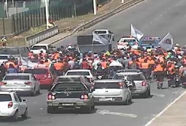 Funcionários da obra do metrô protestam em Salvador | Divulgação | Transalvador
