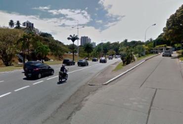 Vazamento de água causa retenção na avenida Juracy Magalhães