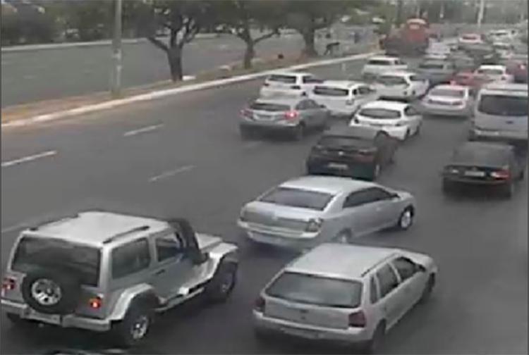 Trânsito segue intenso desde as 14h - Foto: Reprodução | Twitter
