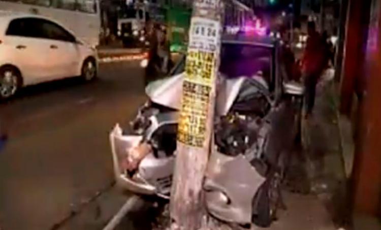 Acidente aconteceu após dois suspeitos tentarem fugir de viatura da PM - Foto: Reprodução | RecordTV