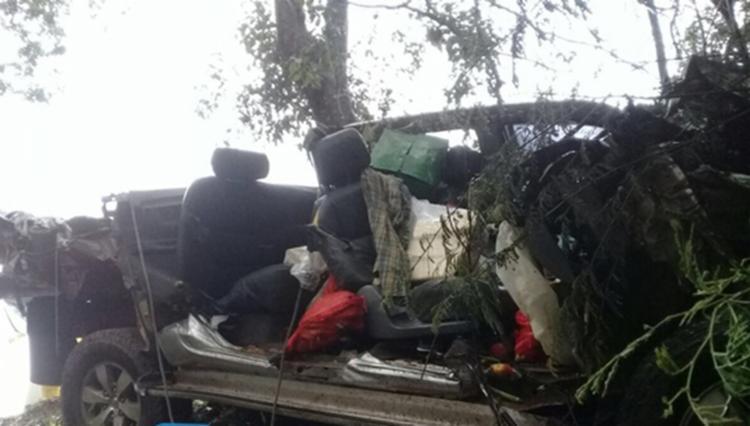 Veículo ficou completamente destruído após o acidente - Foto: Reprodução | Blog Braga