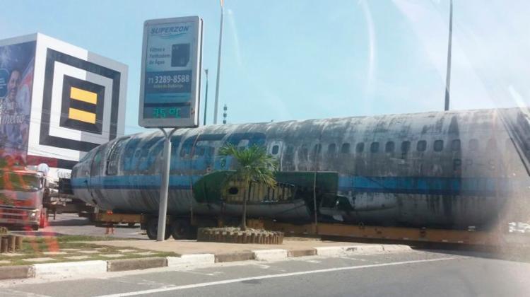 Translado deixa o trânsito intenso nas avenidas Santos Dumont e Carybé - Foto: Cidadão Repórter | Via Whatsapp