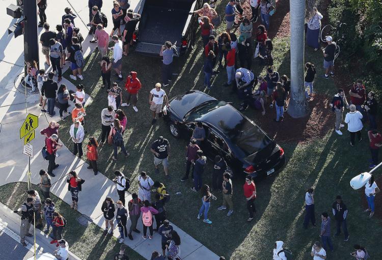Atirador invadiu escola de ensino médio na cidade de Parkland - Foto: Joe Raedle l Getty Images l AFP