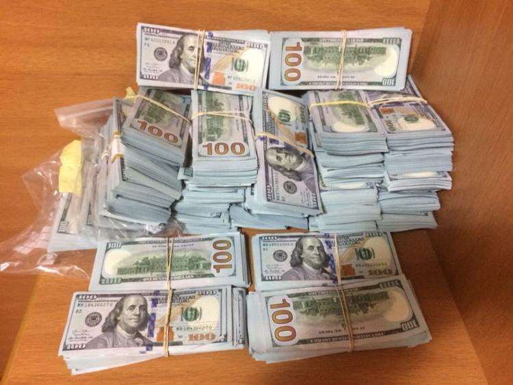 Dinheiro foi encontrado com suspeitos de envolvimento em crime - Foto: Divulgação | SSP-BA