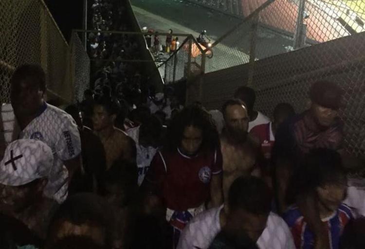 Torcedores reclamam da estrutura do Barradão - Foto: Divulgação