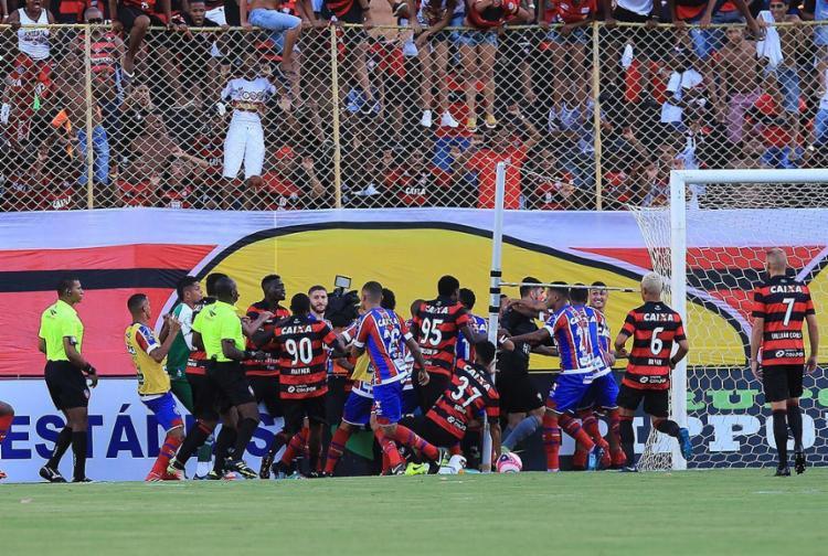 Quatro atletas rubro-negros e dois tricolores foram punidos e estão fora do Baianão - Foto: Margarida Neide l Ag. A TARDE l 18.02.2018