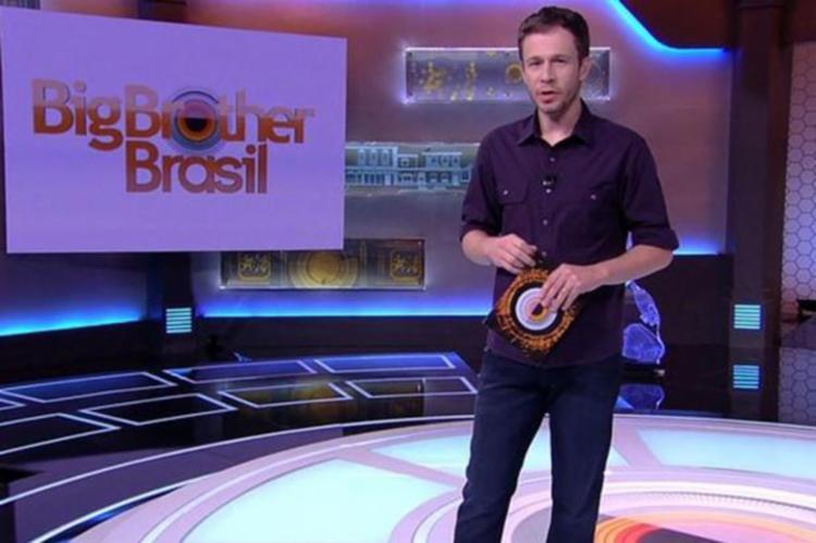 Apresentador apareceu depois da meia noite para consertar o erro - Foto: Reprodução   TV Globo