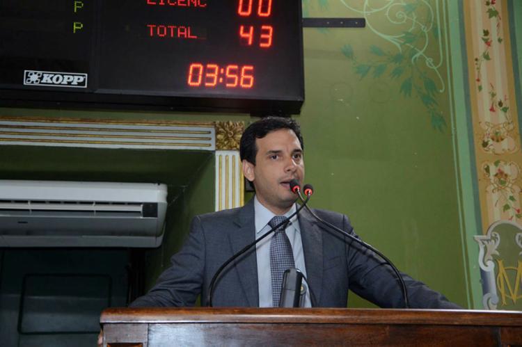 Presidente da Casa, Léo Prates, enalteceu números alcançados em 2017 - Foto: Reginaldo Ipê   Divulgação   23.08.2017