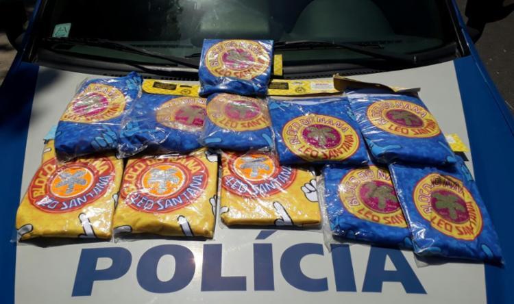Camisas apreendidas durante operação da Polícia Militar - Foto: Divulgação | Polícia Militar