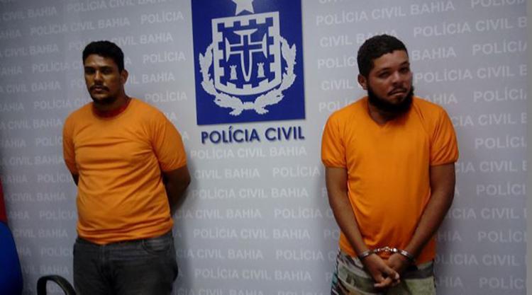 Dupla foi presa no bairro de Vila de Abrantes (Camaçari) na sexta-feira passada - Foto: Andrezza Moura l Ag. A TARDE