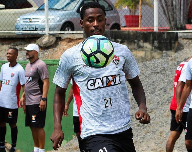 O gol marcado do meio-campo foi o segundo de Denilson com a camisa do Vitória - Foto: Maurícia da Matta l EC Vitória l Divulgação