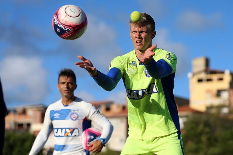 O goleiro Douglas treinou normalmente e deve reforçar o Tricolor - Foto: Felipe Oliveira l EC Bahia