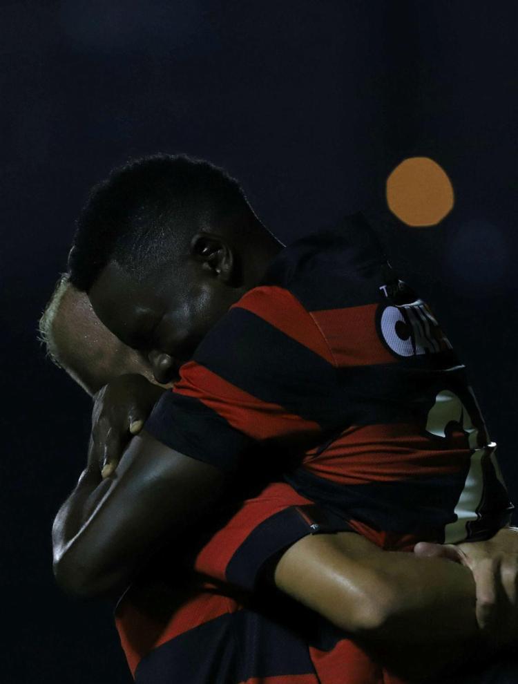 Kanu marcou duas vezes na goleada do leão - Foto: Adilton Venegeroles | Ag. A TARDE
