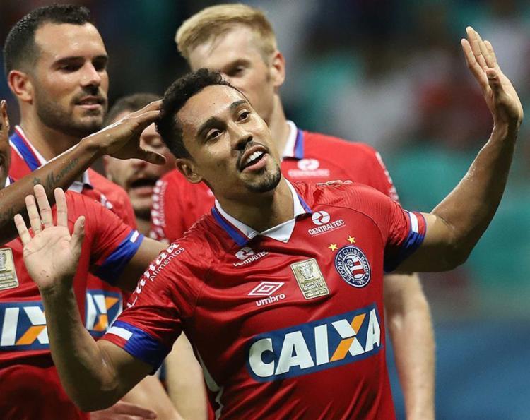 Atacante marcou o primeiro gol dele na temporada, em assistência de Vinícius - Foto: Adilton Venegeroles l Ag. A TARDE
