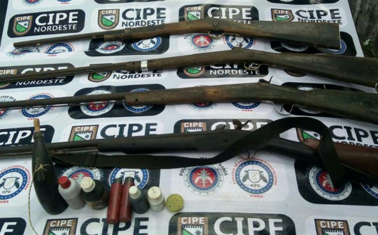 Dois suspeitos abandonaram as armas com a chegada da polícia - Foto: Divulgação | SSP