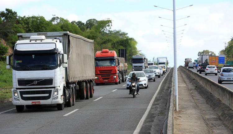 Ao todo, foram aplicadas 641.380 multas nas rodovias federais baianas - Foto: Joá Souza | Ag. A TARDE | 24.03.2017