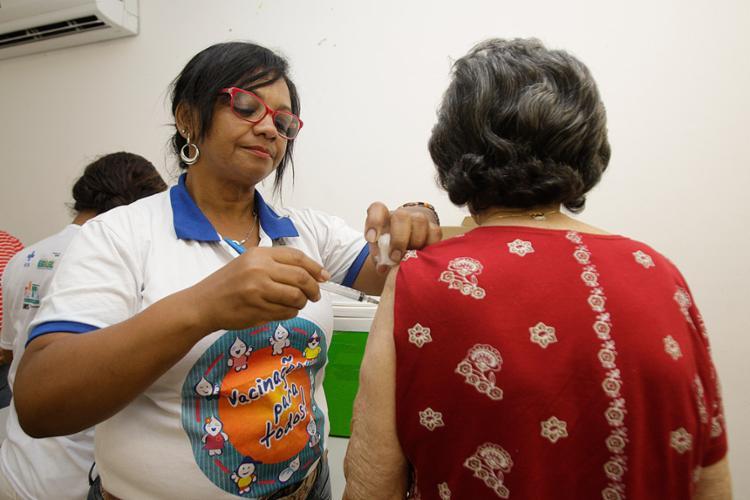 Idosos serão avaliados nos postos de saúde, onde será checada a situação do paciente - Foto: Mila Cordeiro l Ag. A TARDE l 13.5.2017
