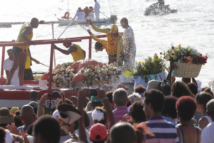Estrela-do-mar gigante foi o presente oferecido para a Rainha do Mar - Foto: Margarida Neide | Ag. A TARDE