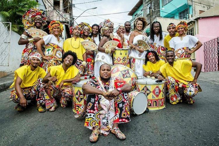 O bloco afro Ilê Aiyê, fundado em 1974, foi inspiração para o surgimento de várias agremiações do segmento - Foto: Divulgação