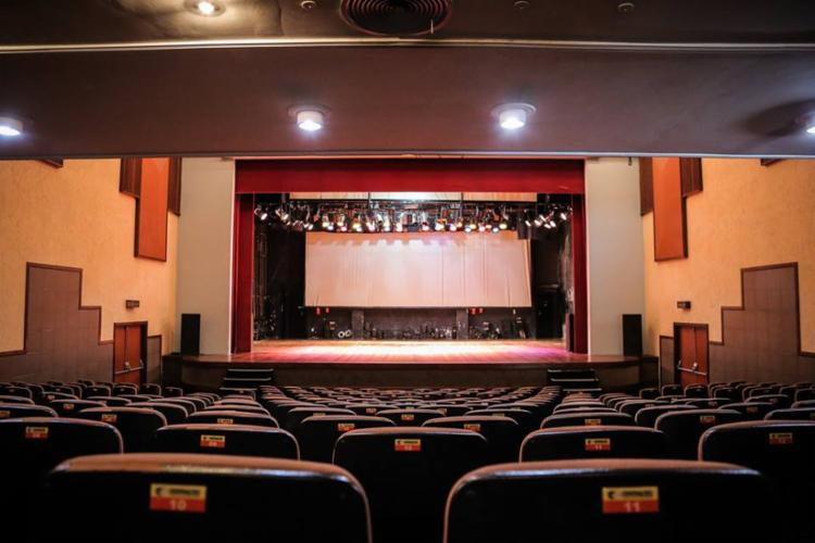 Teatro, fotografia e produção cultural estão entre os cursos ofertados - Foto: Reprodução | Facebook
