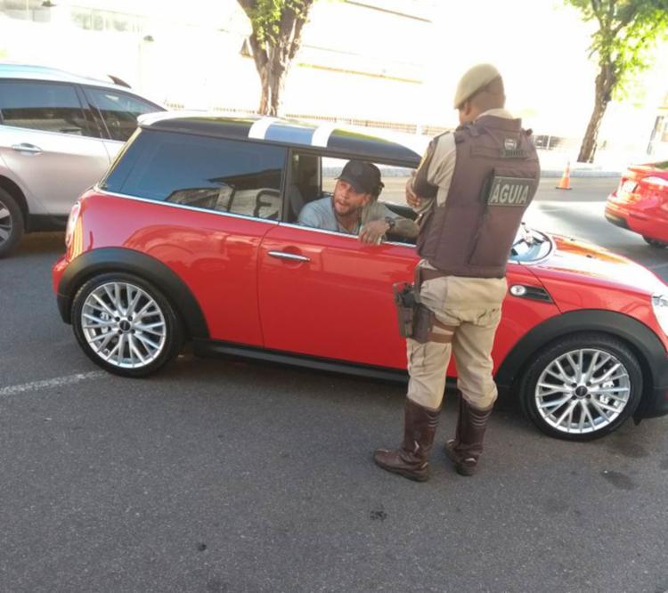 O vereador teria tentado despistar a polícia em abordagem na Av. da França - Foto: Divulgação | SSP-BA