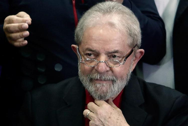 O diretor-geral da PF também foi intimado a retirar o petista do sistema de procurados e impedidos - Foto: Miguel Schincariol l AFP